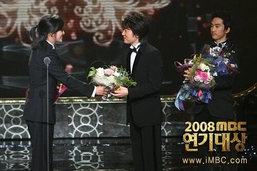 korean actor bae yong jun